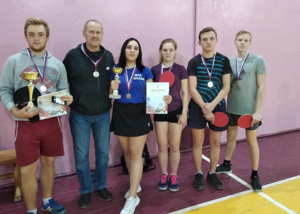 Серебряные призеры первенства города  по настольному теннису
