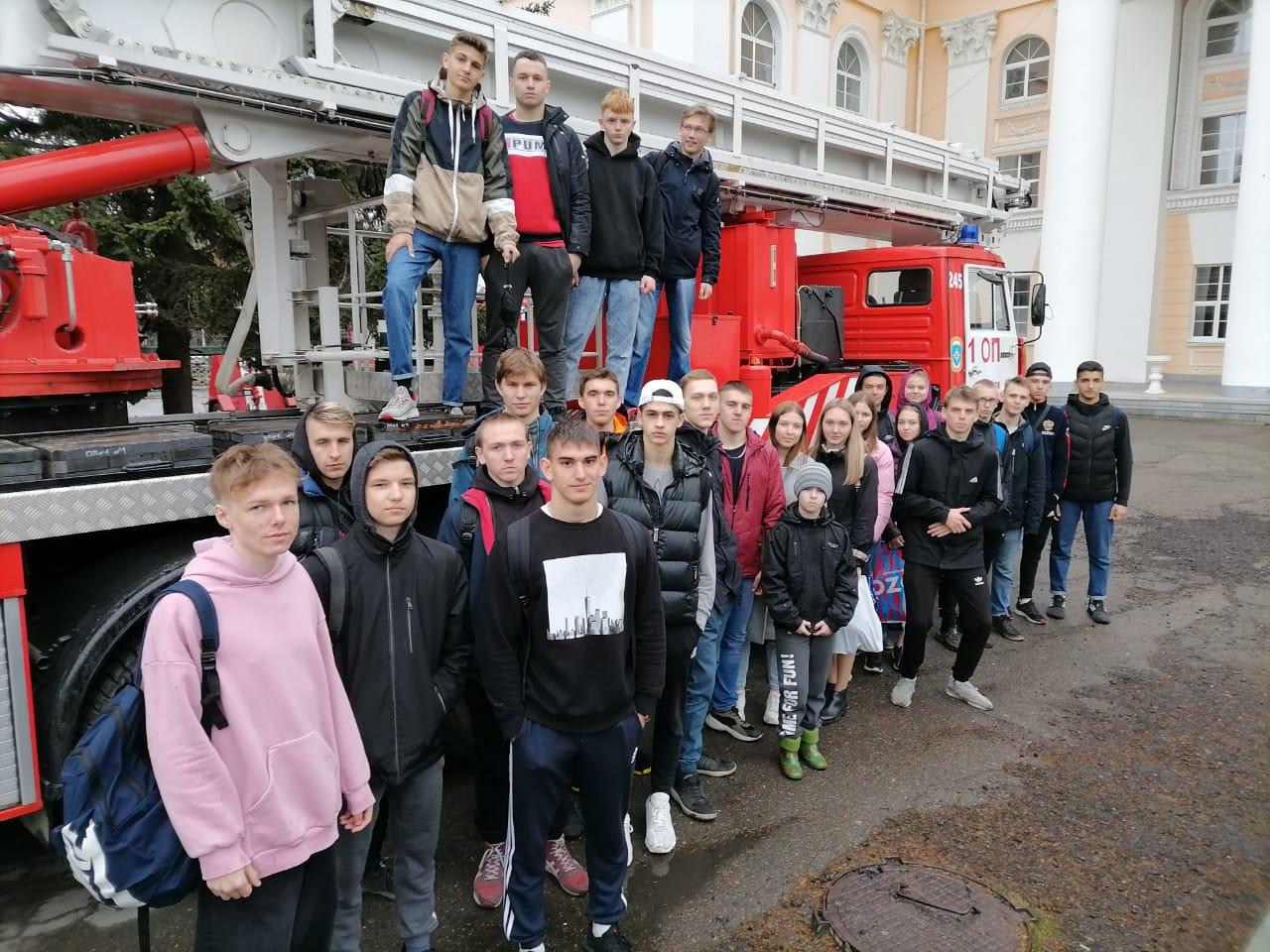 На выставке пожарной техники